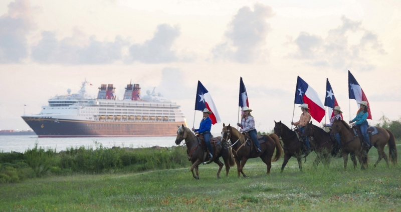Disney Wonder Sails Into Galveston