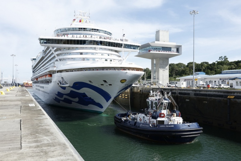 Caribbean Princess Transits the Panama Canal