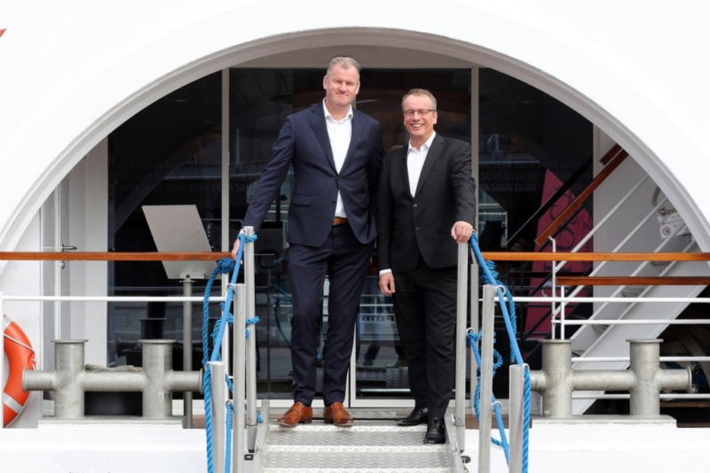 From left to right: Simon Provoost  (Managing Director, Concordia Damen),  Jörg Eichler (Managing Director, A-ROSA)