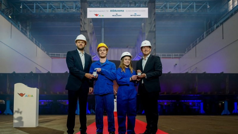 At the keel laying, from left: Tim Meyer, Kenny Schaft, Charleen Hoffmann, Felix Eichhorn