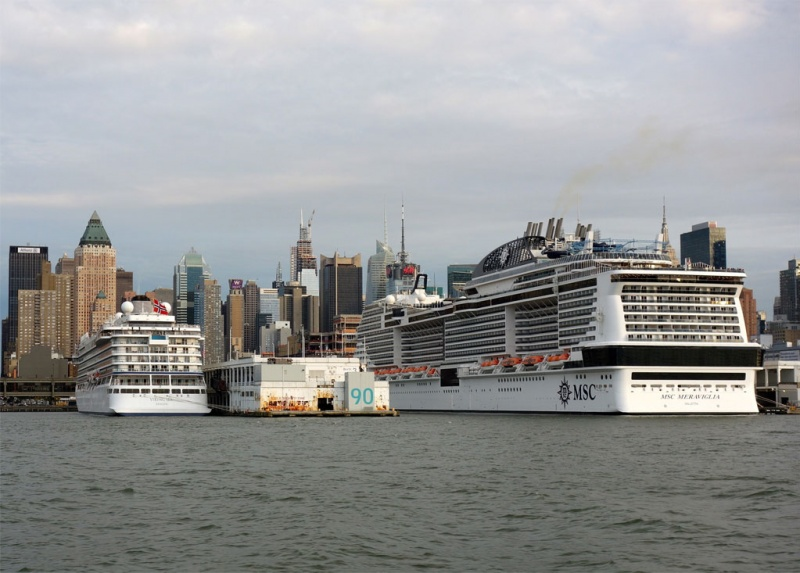 Viking Sea and MSC Meraviglia in Manhattan